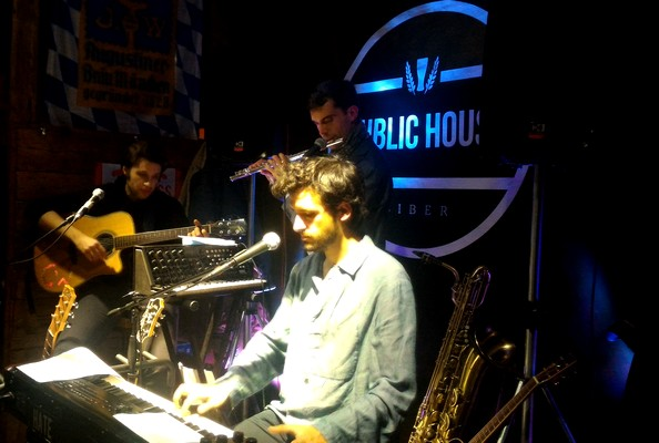 Dnezzar Charles Wallace live report Biber Public House