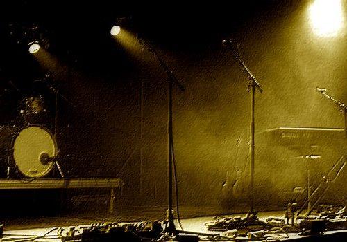Fare un disco senza concerti: il paradosso della musica emergente italiana