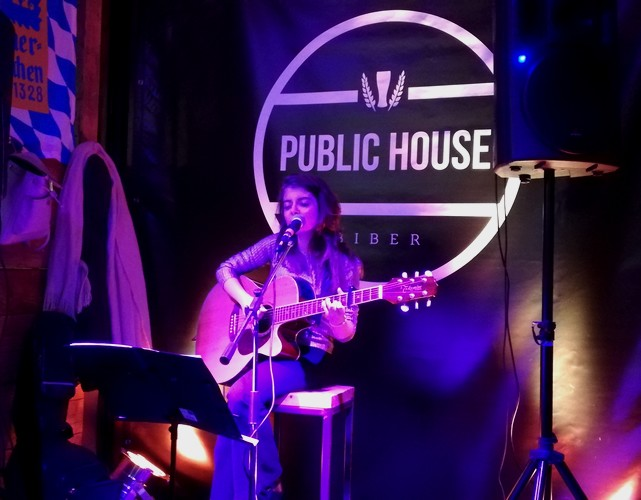 Martae Biber Public House Pink Plugless Thursdays
